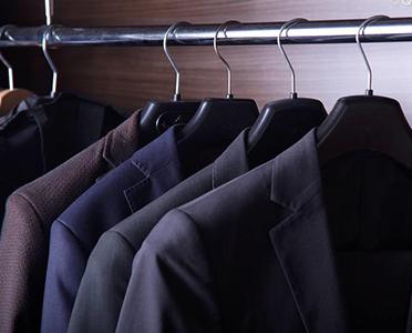 西装定制过程中如何对颜色进行挑选?